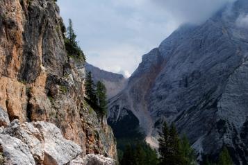 Antonius Pass, to the right Neuner